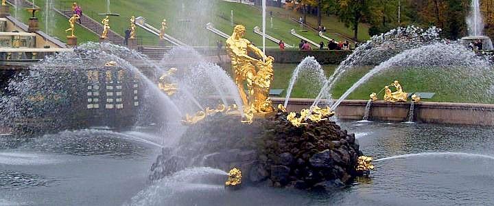 2678. Экскурсии по Петербургу