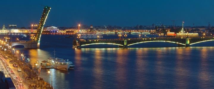 1426. Ночная экскурсия под развод мостов