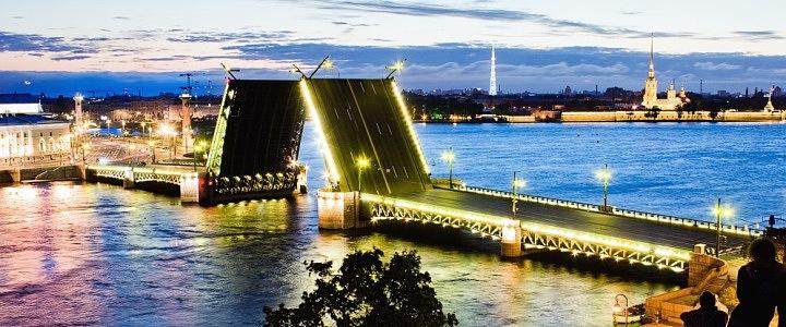1438. Ночная экскурсия под развод мостов